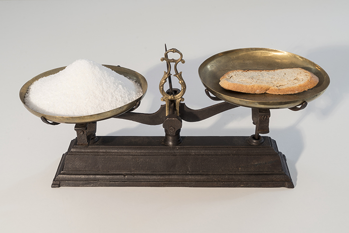 Untitled, 2016 scale, bread, salt 24,8 x 49,5 x 20 cm